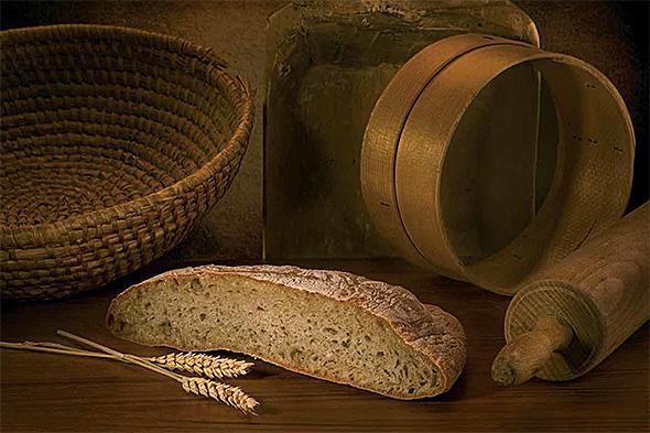 Pripomočki za peko kruha včasih - Nikjer ni opaziti vrečk s kemičnimi dodatki ...